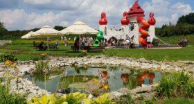 Ruszają parki rozrywki i baseny